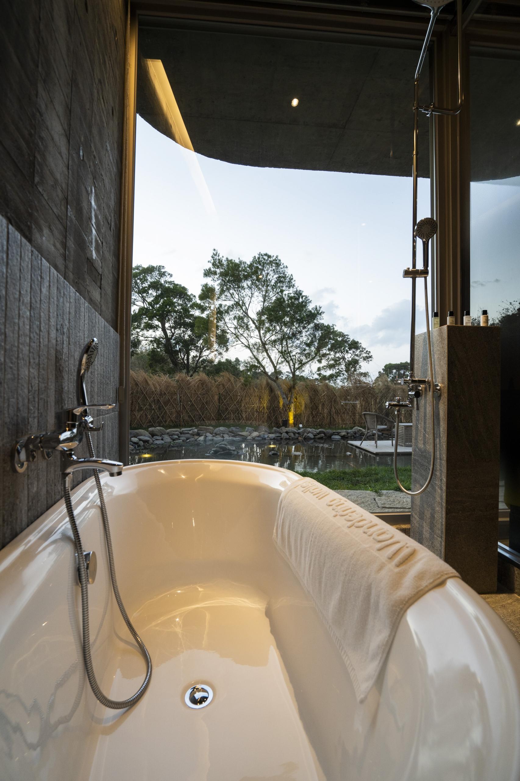 丹池浴室戶外景色